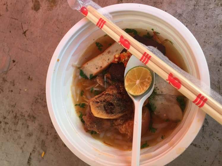 A bowl of bánh canh cua.