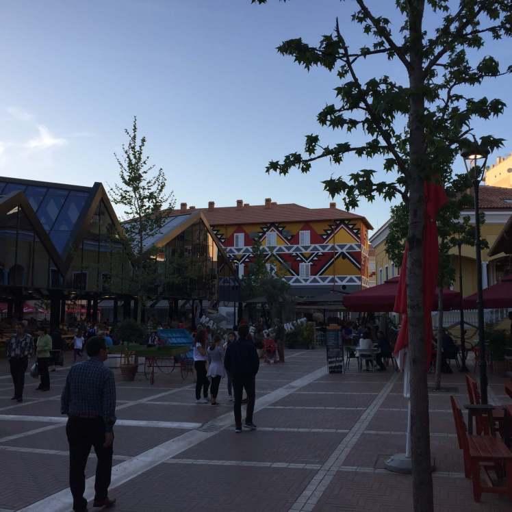 Pazari i Ri, Tirana, Albania