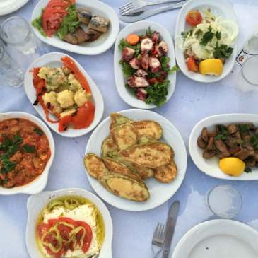 Spread of Mezes, Vólos, Greece